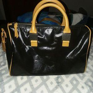 Simply Vera, Vera Wang Handbag